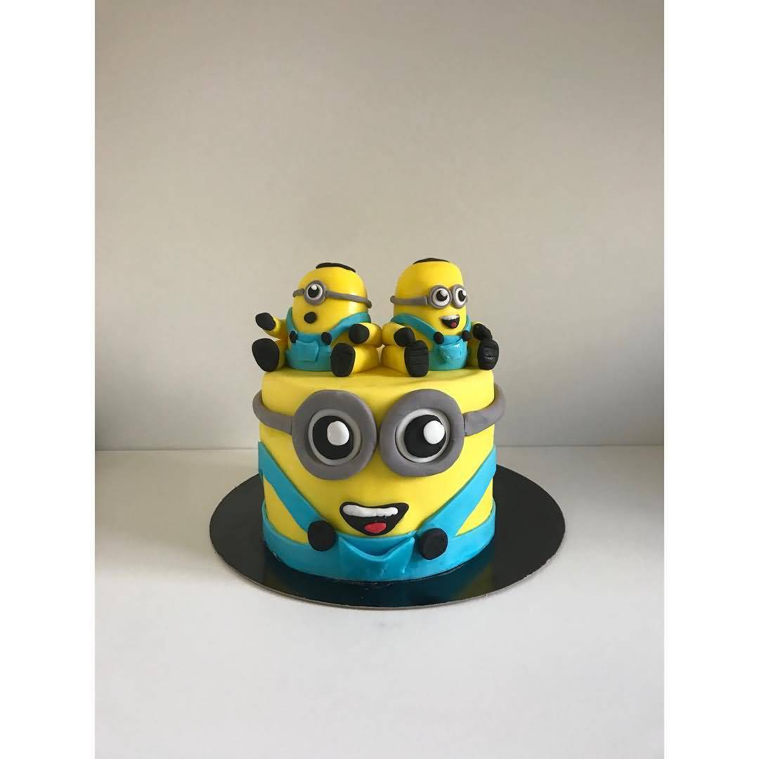 Cute Pictures Of Minion Cakes For Guys