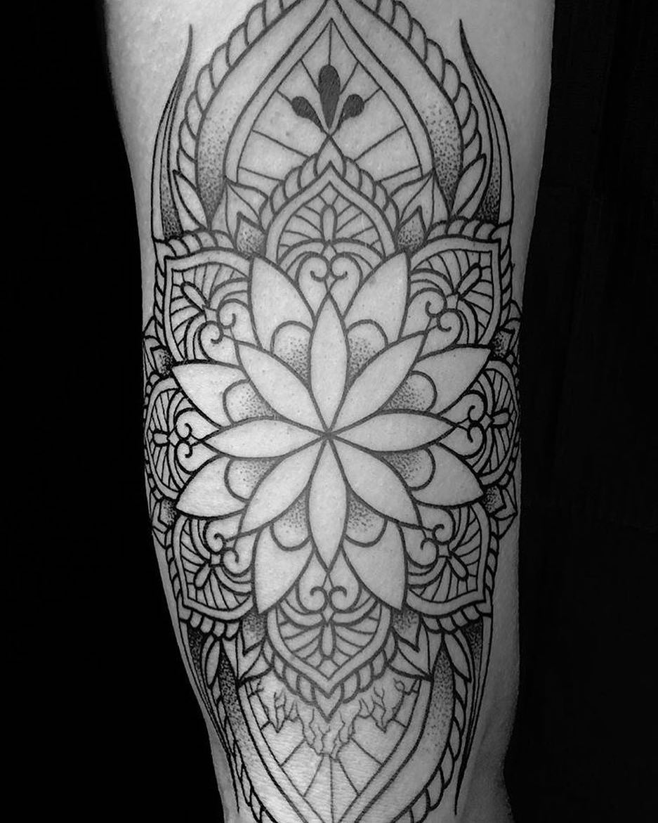 Arm Mandala Tattoo Designs (7)